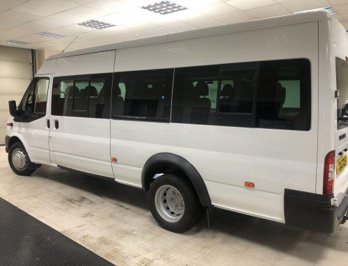 Ford Transit 430 17 seat