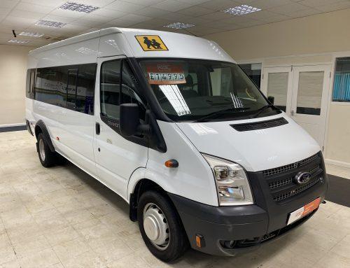 Ford Transit 17 Seat – White